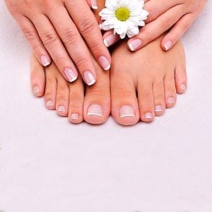 Manicura y Pedicura con esmalte normal